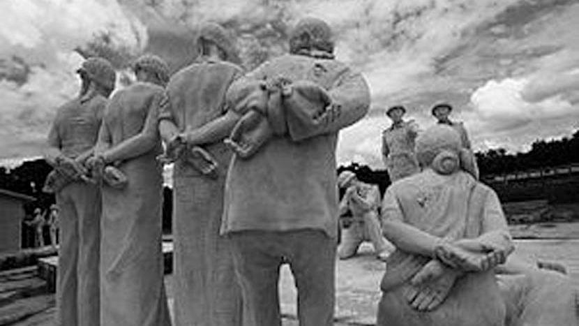 বাংলাদেশের মেহেরপুরে ১৯৭১ গণহত্যা স্মরণে ভাস্কর্য
