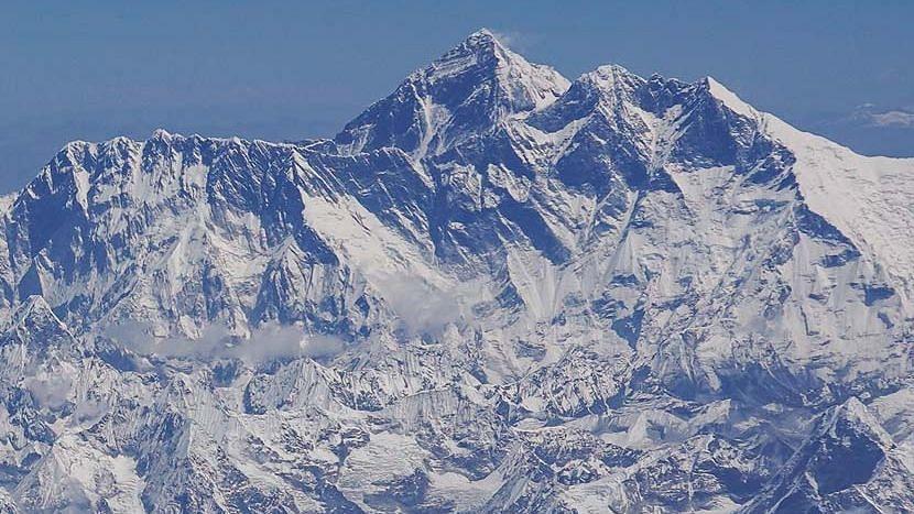 বাড়লো মাউন্ট এভারেস্টের উচ্চতা - ঘোষণা নেপাল ও চীনের