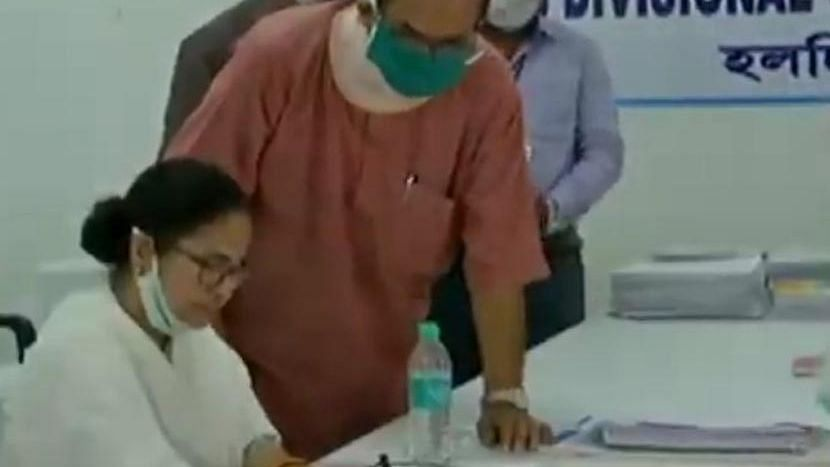 WB Election 21: নন্দীগ্রাম কেন্দ্রে মনোনয়ন পত্র জমা দিলেন মমতা বন্দ্যোপাধ্যায়
