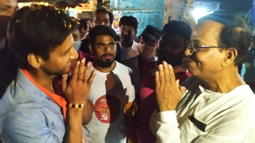 WB Election 21: প্রচার চলাকালীন হঠাৎ মুখোমুখি - সৌহার্দ্য বিনিময় সেলিম-যশের