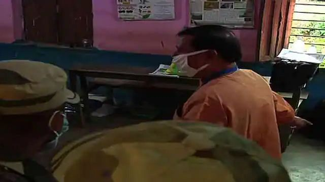 শালবনিতে বাম প্রার্থীর এজেন্টদের হুমকি দিয়ে বুথের বাইরে বের করে দিচ্ছে তৃণমূল, অভিযোগ সুশান্ত ঘোষের