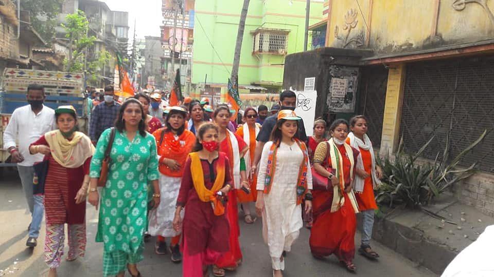 WB Election 21: একনজরে পূর্ব বেহালায় বিজেপির তারকা প্রার্থী পায়েল সরকার (গ্যালারি)