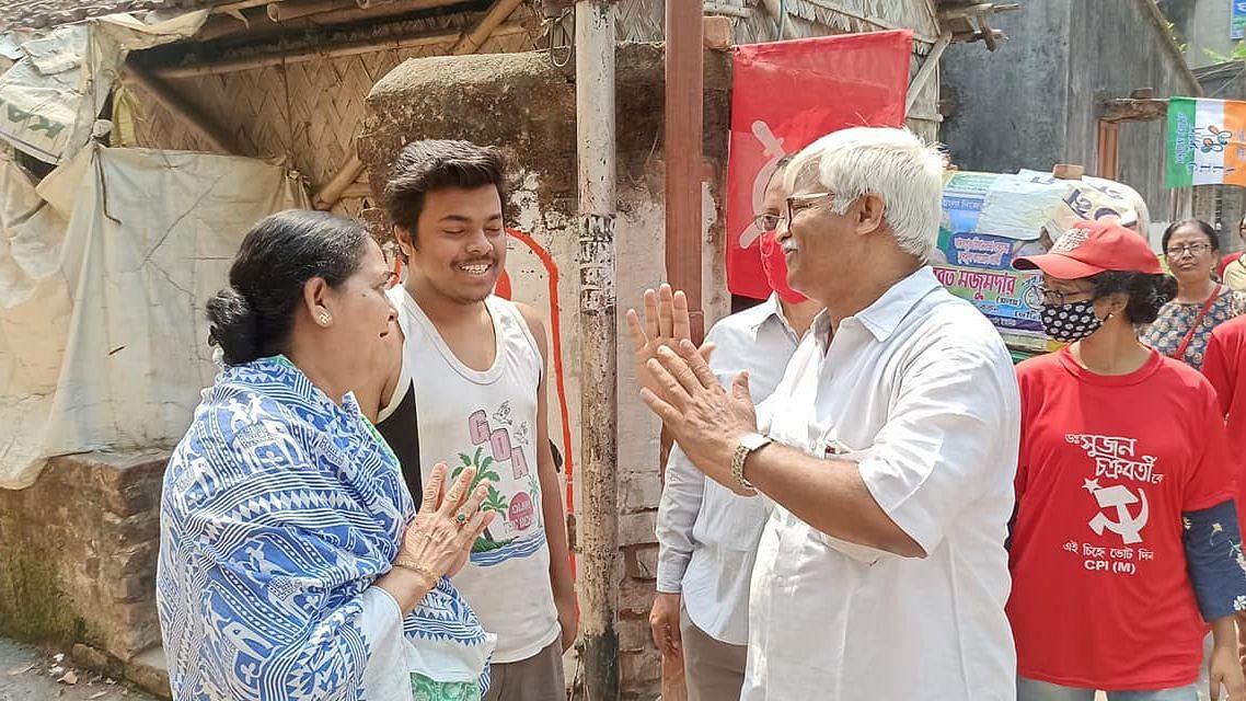 WB Election 21: পরিসংখ্যান নয়, জনসংযোগেই ভরসা রাখছেন সুজন চক্রবর্তী