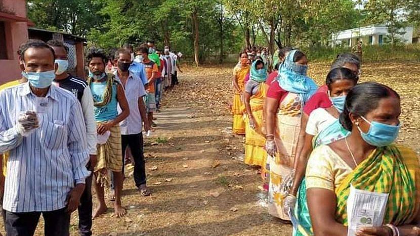 WB Election 21: বিকেল ৫টা পর্যন্ত ভোট পড়লো ৭০.৮৮%, ভোটদানের শীর্ষে শালবনী, খেজুরী
