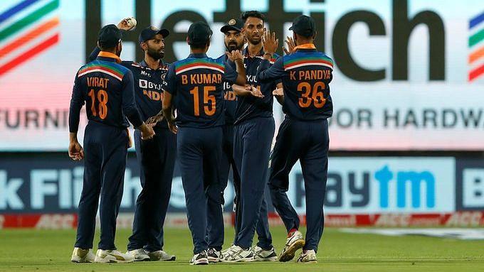 ODI: অভিষেক ম্যাচে কৃষ্ণার ৪ উইকেট, ইংল্যান্ডকে ৬৬ রানে হারালো টিম ইন্ডিয়া
