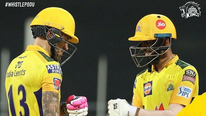 IPL: ডু প্লেসি গায়কোয়াড় যুগলবন্দিতে  নাইটদের সামনে ২২১ রানের লক্ষ্য চেন্নাইয়ের