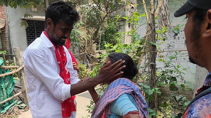 নির্বাচনী প্রচারে প্রতীক-উর রহমান - ২