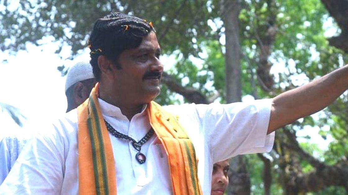 WB Election 21: কমিশনের নিষেধাজ্ঞা উড়িয়ে নিজের ভোট প্রচারে দর্শকাসনে উপস্থিত রাহুল সিনহা