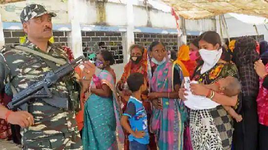 WB Election 21: উত্তপ্ত শীতলকুচি, কেন্দ্রীয় বাহিনীর বিরুদ্ধে গুলি চালানোর অভিযোগ, মোট মৃত ৫