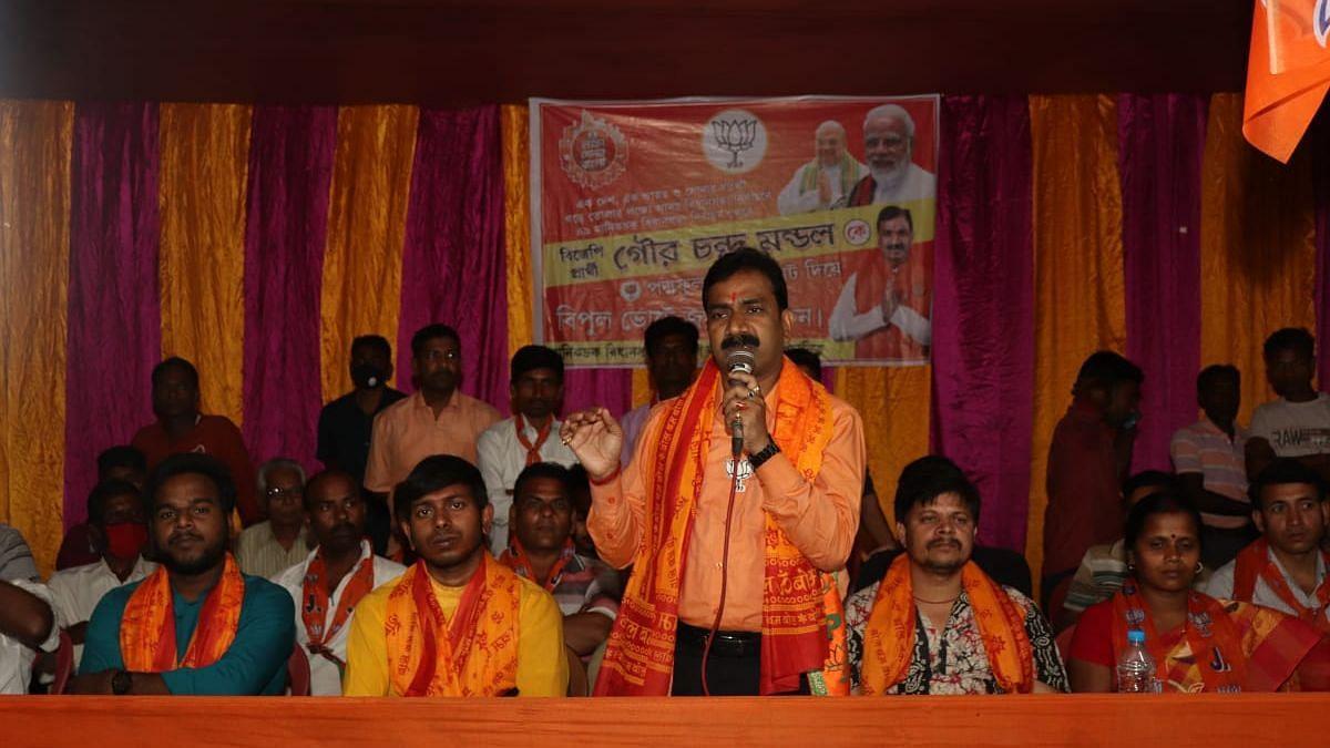 WB Election 2021: মানিকচকে বিক্ষুব্ধ বিজেপি নেতা নির্দল প্রার্থী, মনোনয়ন তুলতে টাকার টোপ!