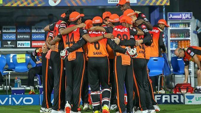 IPL: নাটকীয় ম্যাচে হায়দরাবাদকে রুখে দিলো রয়েল চ্যালেঞ্জার্স ব্যাঙ্গালোর