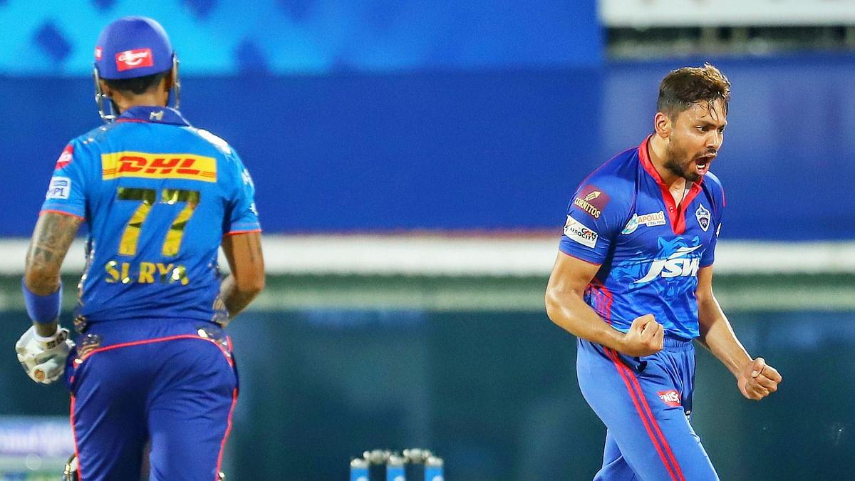 IPL: অমিত মিশ্রার ঘূর্ণিতে নাস্তানাবুদ মুম্বই ইন্ডিয়ানসের সংগ্রহ ১৩৭ রান