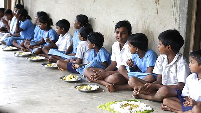 West Bengal: মিড ডে মিলে কমলো বরাদ্দ, কমলো চিনি, সয়াবিনের পরিমাণ