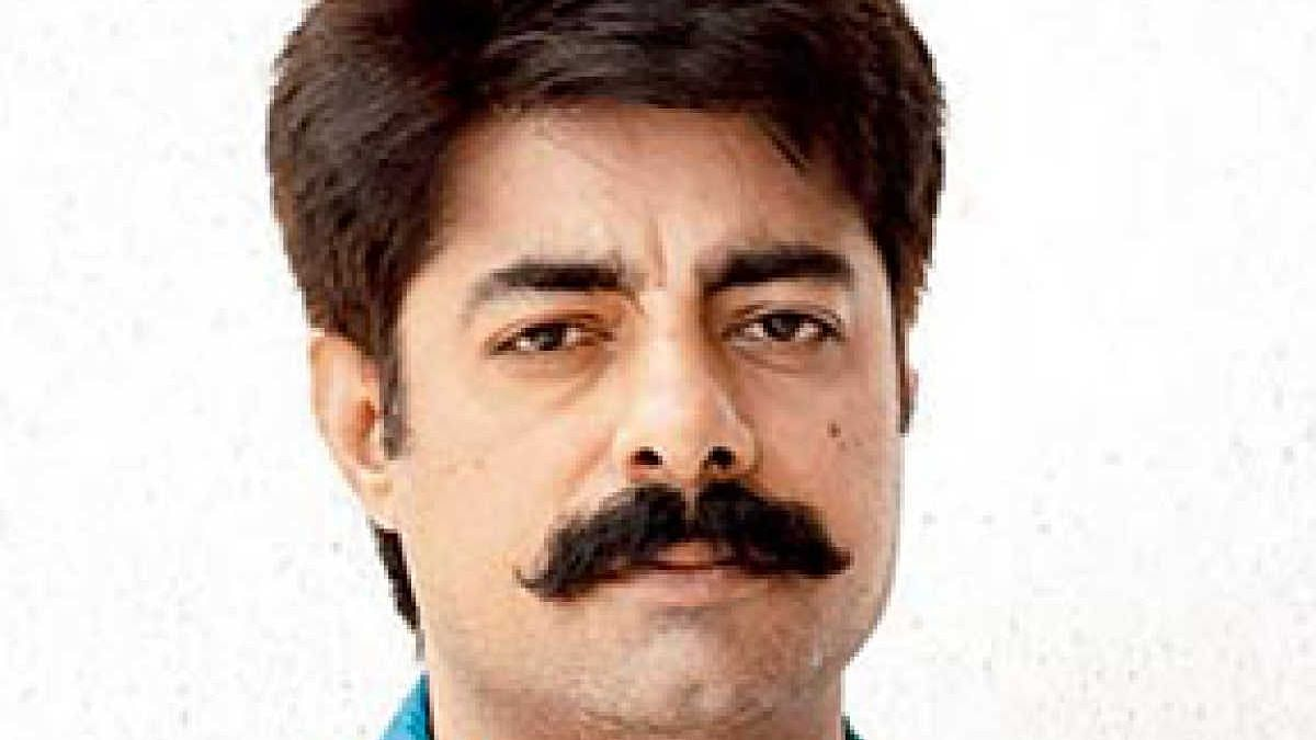 """সুশান্ত সিং-এর ট্যুইটার অ্যাকাউন্ট সাসপেন্ড করে ফেরত - """"সততার মেডেল"""" বলে কটাক্ষ অভিনেতার"""