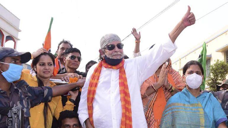 Mithun Chakraborty: মিঠুনকে তদন্তে সহযোগিতা করা, ইমেইল আইডি জমা দেওয়ার নির্দেশ হাইকোর্টের