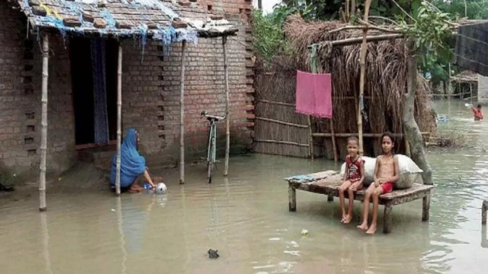 Bihar Flood: প্রশাসনের দেখা নেই, ত্রাণের দাবিতে বন্যাকবলিতদের বিক্ষোভ