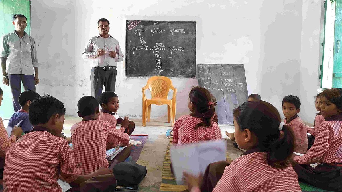 Uttar Pradesh: জুন মাসের বেতন না পেলে অন্য কোনও কাজ করবেন না শিক্ষামিত্ররা