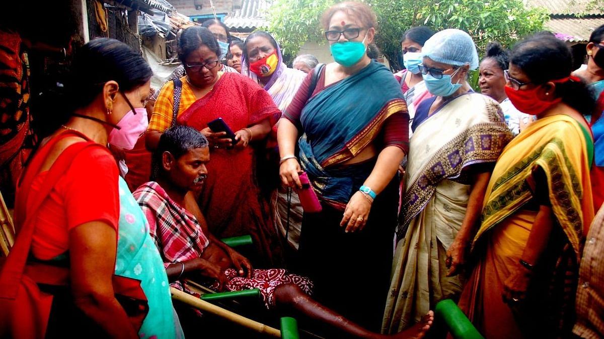 Purba Bardhaman: জামালপুরে নিহত দলীয় কর্মীর বাড়িতে AIDWA নেতৃত্ব