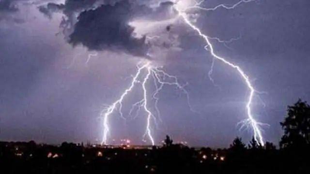 Lightning: সেলফি নেওয়ার সময় বজ্রপাত, ১১ জনের মৃত্যু রাজস্থানে