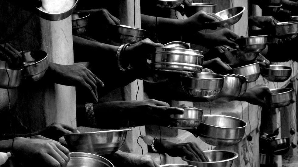 মানুষ শিক্ষা ও কাজের অভাবে ভিক্ষা করছে, এই সমস্যা আর্থ সামাজিক - সুপ্রিম কোর্ট