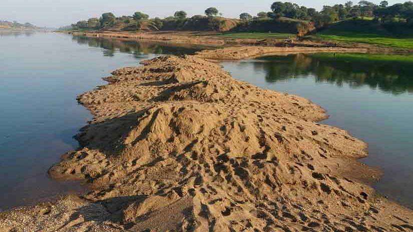 Madhya Pradesh: বেআইনি বালি খনন নিয়ে রিপোর্টিং করার অপরাধে ৬ সাংবাদিকের বিরুদ্ধে এফআইআর