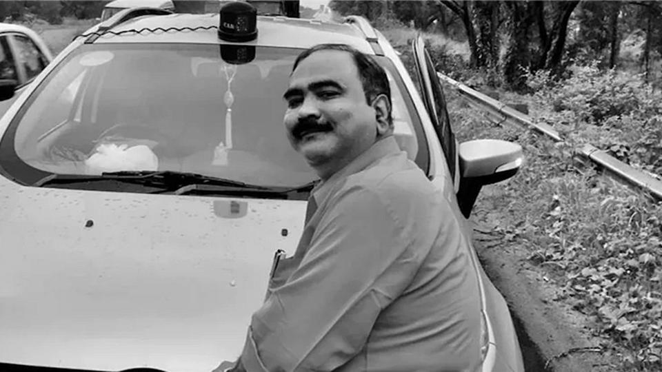 পুলিশের জালে ভুয়ো CBI আধিকারিক, এবার গেরুয়া শিবিরের সাথে ঘনিষ্ঠতার অভিযোগ
