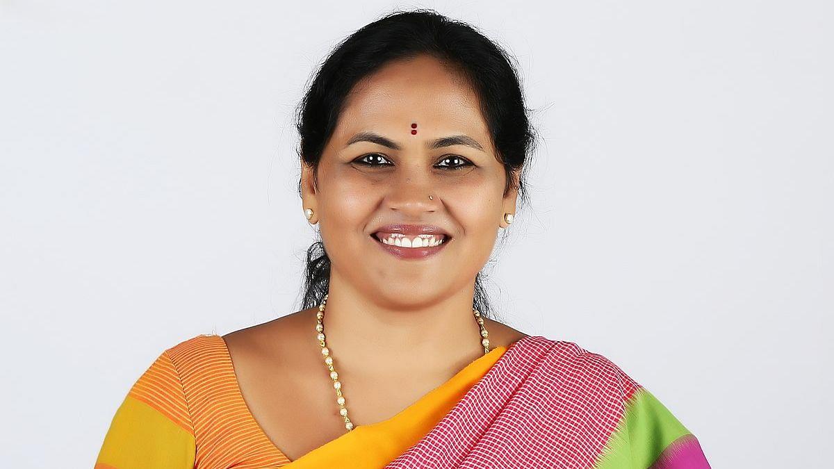 Karnataka: মন্ত্রী হিসেবে শপথের আগেই ট্যুইটার টাইমলাইন মুছলেন শোভা কারান্ডালাজে