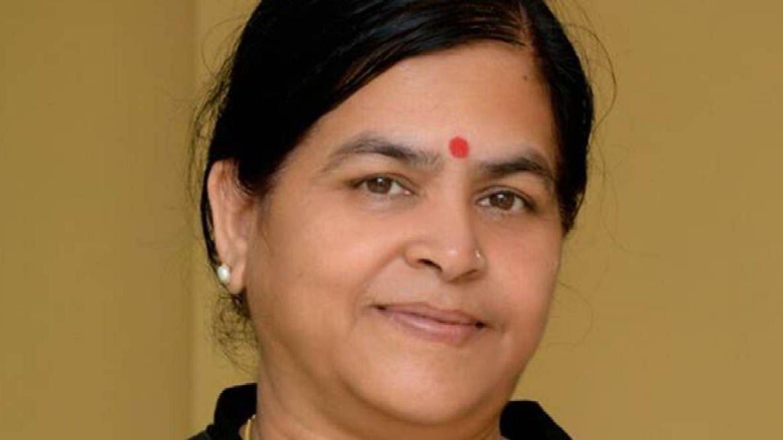 MP: তাঁর সাথে সেলফি নিতে গেলেই ১০০ টাকা করে দিতে হবে দলের কাজের জন্য - ঘোষণা BJP মন্ত্রীর