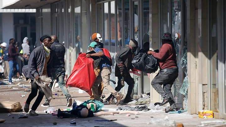 KwaZulu-Natal: ভারতীয় বংশোদ্ভূতদের ওপর আক্রমণের ঘটনা পরিকল্পিত - জানালেন রাষ্ট্রপতি সিরিল রামাফোসা