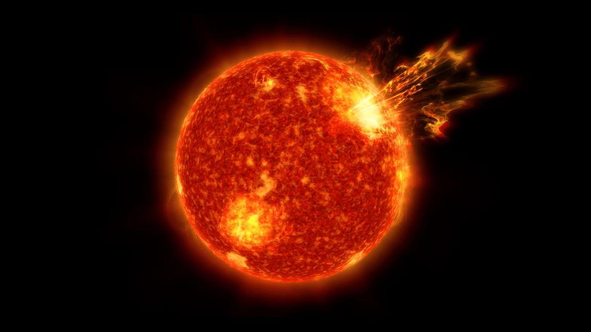 Solar Storm: শক্তিশালী সৌরঝড় আছড়ে পড়ার আশংকা, যোগাযোগ ব্যবস্থায় বড়োসড়ো প্রভাব পড়ার সম্ভাবনা