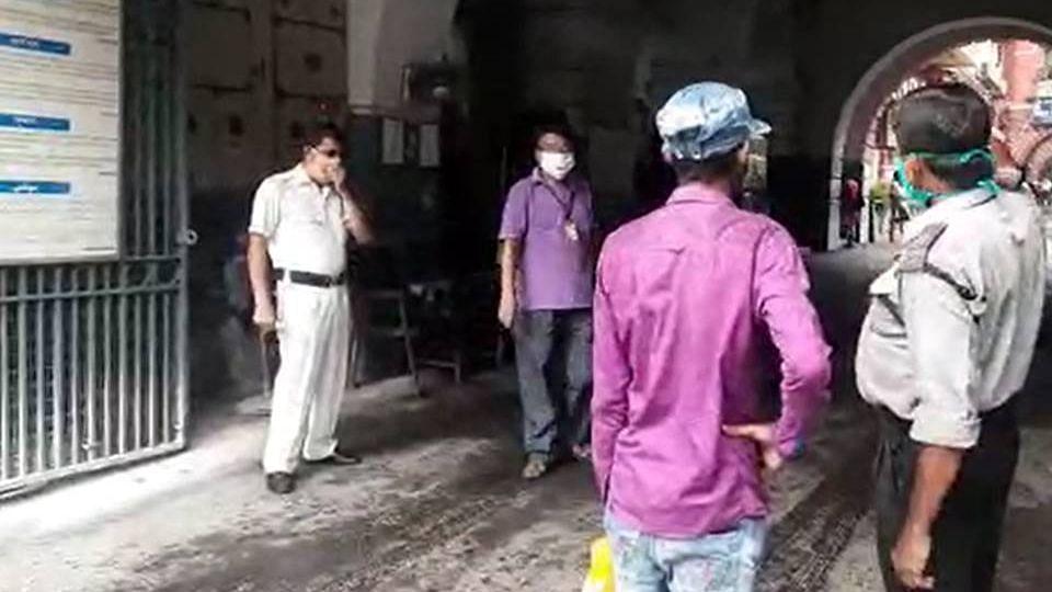 কলকাতা কর্পোরেশনে অহেতুক প্রবেশ নিষেধ - ফিরহাদ হাকিম