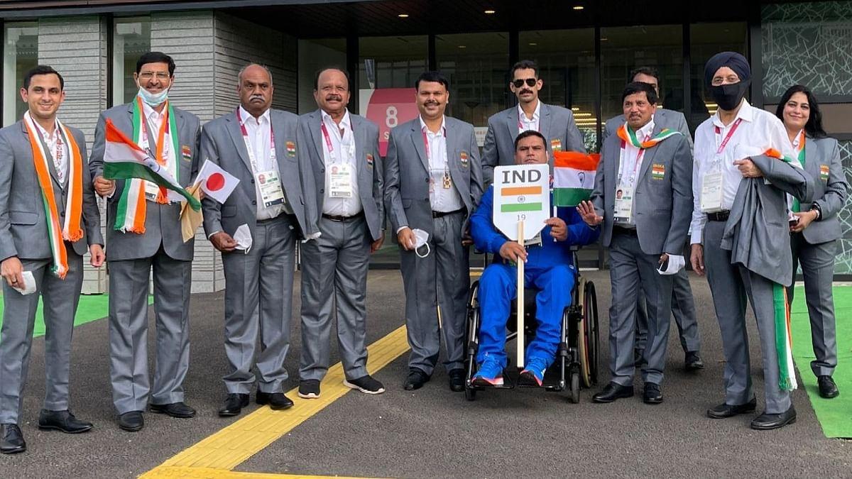 Paralympics: টোকিওতে পর্দা উঠলো প্যারালিম্পিক্সের, ফ্ল্যাগ মার্চে ভারতের পতাকা নিলেন টেক চাঁদ
