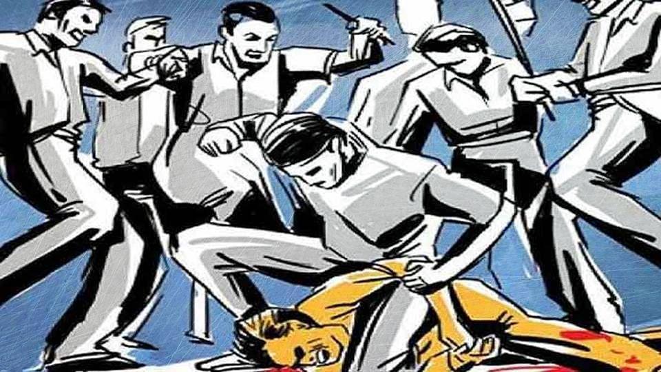 Uttar Pradesh: হিন্দু নামের হোটেলে মুসলমান কেন! মথুরায় মারধর হোটেল কর্মীকে