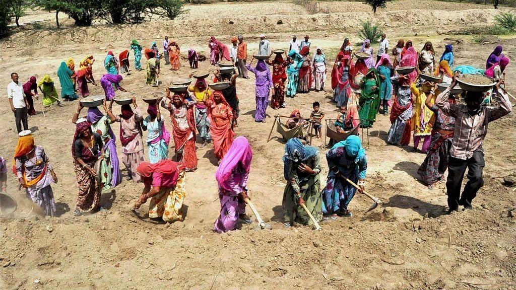MNREGA: ঘুষ-অস্তিত্বহীন ব্যক্তির নামে টাকা জমা হওয়া, ৪ বছরে ৯৩৫ কোটি টাকা অপব্যয়ের অভিযোগ