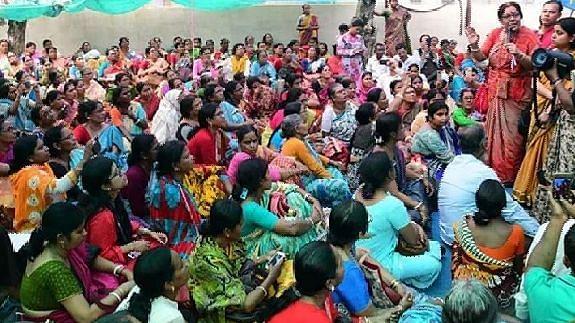 আন্দোলনে অংশ নেওয়া আরও পাঁচ SSK শিক্ষিকাকে বদলির নির্দেশ