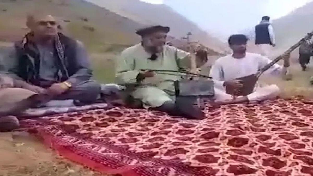 Afghanistan: জনপ্রিয় লোকসঙ্গীত শিল্পীকে বাড়ি থেকে টেনে নিয়ে গিয়ে গুলি করে খুন করলো তালিবান