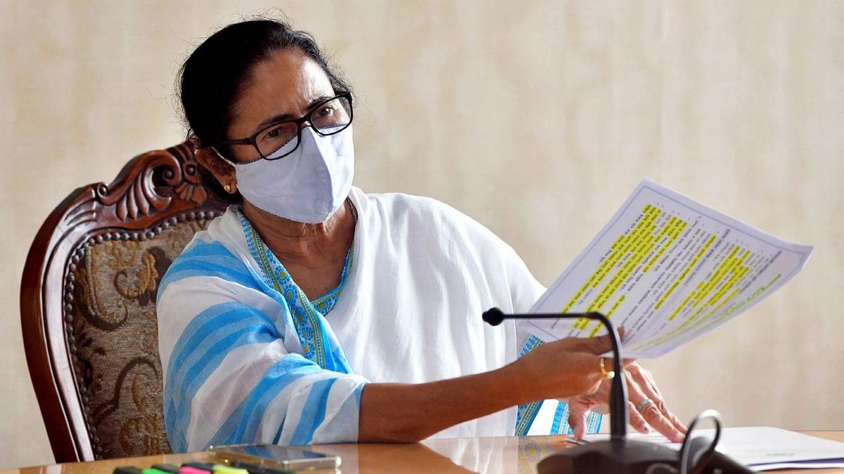 Lakshmir Bhandar: বিপুল বাজেট, টাকা আসবে কোথা থেকে? চিন্তায় আধিকারিকরা