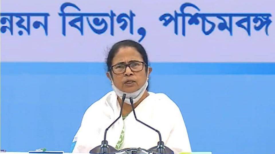 West Bengal: তৃতীয় ঢেউ ভয়ঙ্কর না হলে পুজোর পর খুলবে স্কুল, বললেন মুখ্যমন্ত্রী