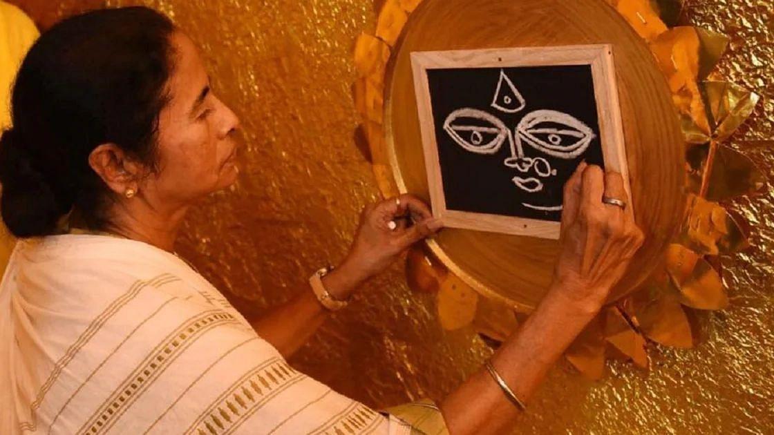 অবশেষে দুর্গাপূজা উপলক্ষ্যে প্রতিটি ক্লাবে ৫০ হাজার টাকা করে অনুদানের অনুমতি নির্বাচন কমিশনের