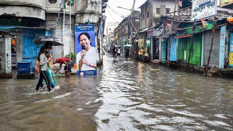 West Bengal Weather Update: সপ্তাহান্তে ফের শক্তিশালী নিম্নচাপ, তিন জেলায় হলুদ সতর্কতা জারি