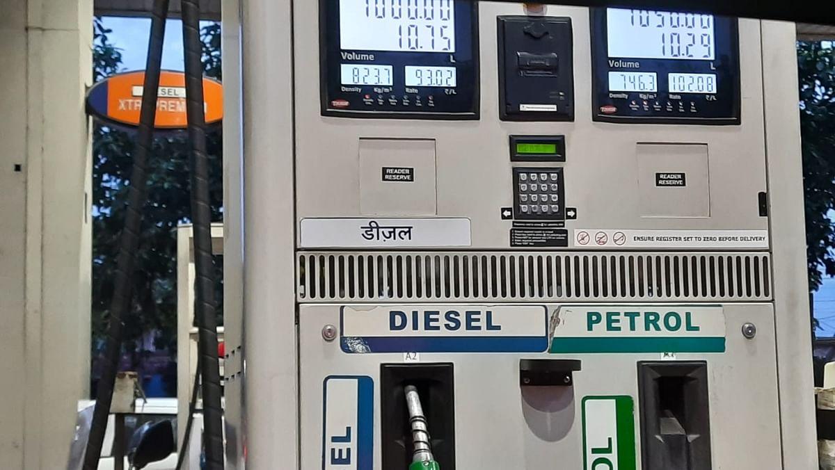 Petroleum Price Hike: রেকর্ড উচ্চতায় পৌঁছালো দেশে পেট্রোল-ডিজেলের দাম