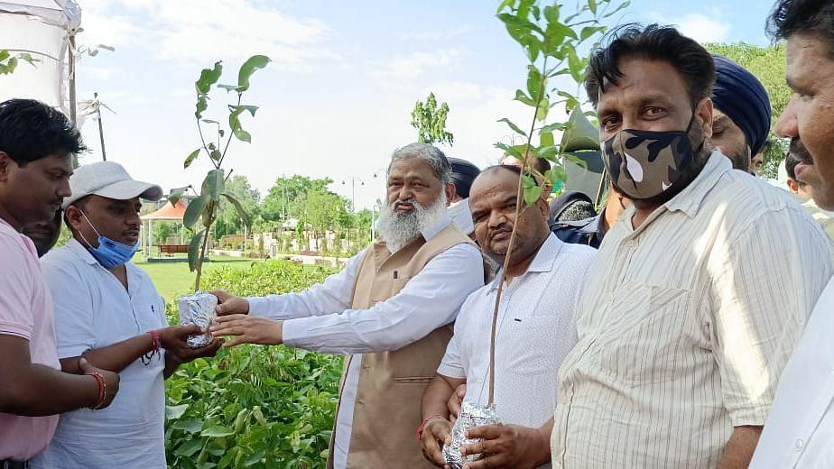 Haryana: কৃষক আন্দোলন ক্রমশ হিংসাত্মক হয়ে উঠছে - দাবি মন্ত্রী অনিল ভিজ-এর