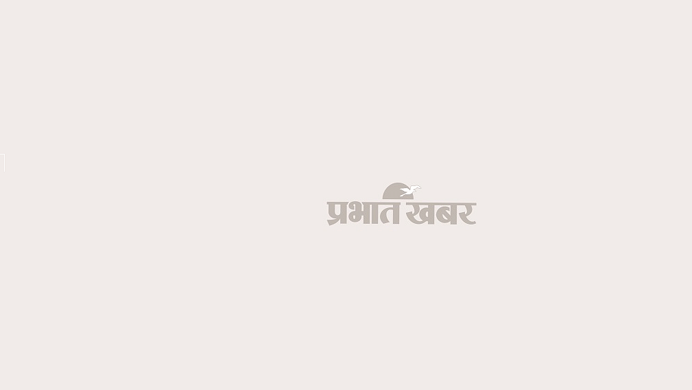 आपदा प्रभावित क्षेत्र का अवलोकन करते  सीएम पुष्कर सिंह धामी.