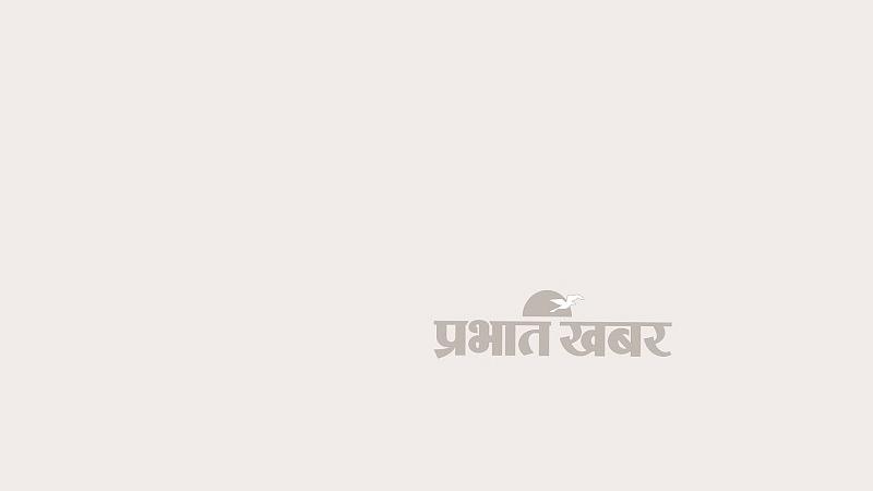 वरिष्ठ वकील  प्रशांत भूषण