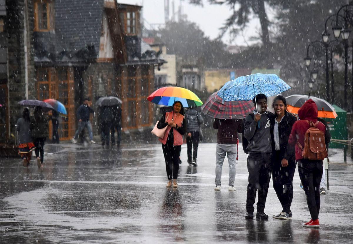 दिल्ली में बारिश से बदला मौसम का मिजाज, झारखंड-बिहार समेत पूरे उत्तर भारत में बढ़ सकती है ठंड
