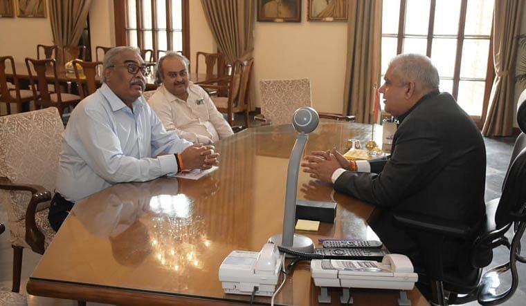 बंगाल नगर निकाय चुनाव : राज्य निर्वाचन आयुक्त राज्यपाल से मिले