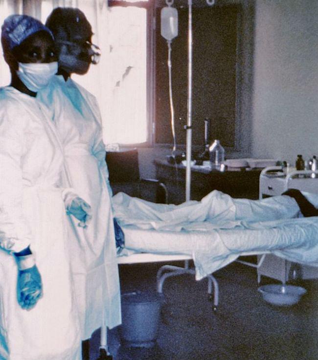 इबोला के वायरस का गहराता खतरा, स्पेन की नर्स संक्रमित