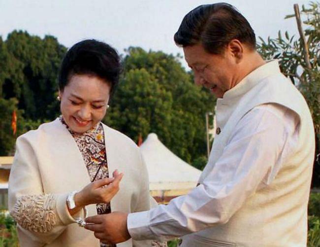 चीनी राष्ट्रपति शी की प्रेम कहानी के वीडियो की इंटरनेट पर धूम