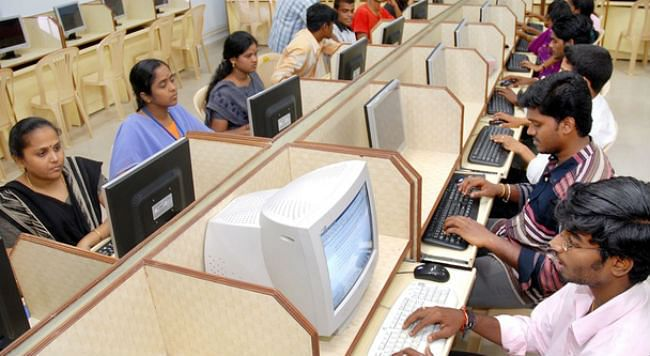 प्रति घंटे 341.8 रुपये कमाते हैं आइटी क्षेत्र के कर्मचारी: रिपोर्ट