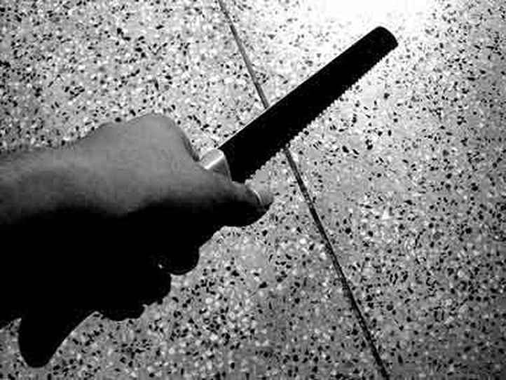 लंदन मेट्रो में आतंकी हमला: 3 लोगों को चाकू मारने वाले ने कहा-ये सीरिया का बदला